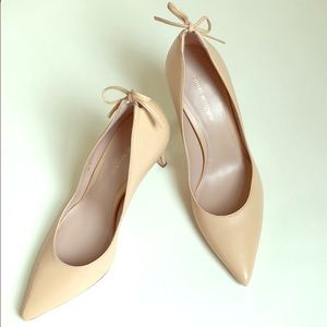 Stuart Weitzman peekabow beige heels size 7